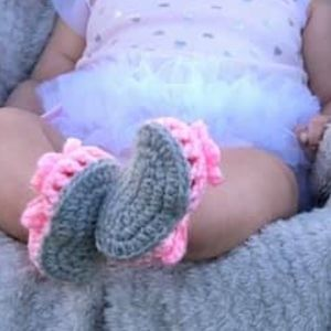 Other - 0-3 or 3-6 month crochet baby sandals 👡